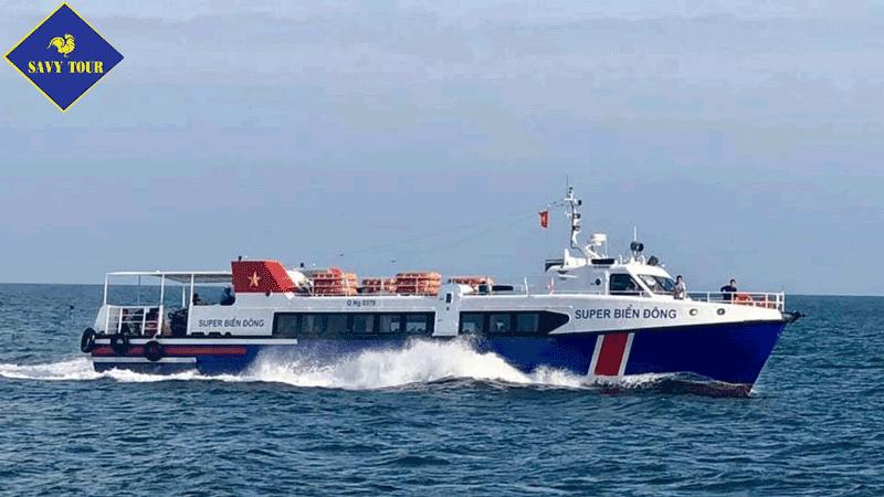 Tàu đi đảo Lý Sơn