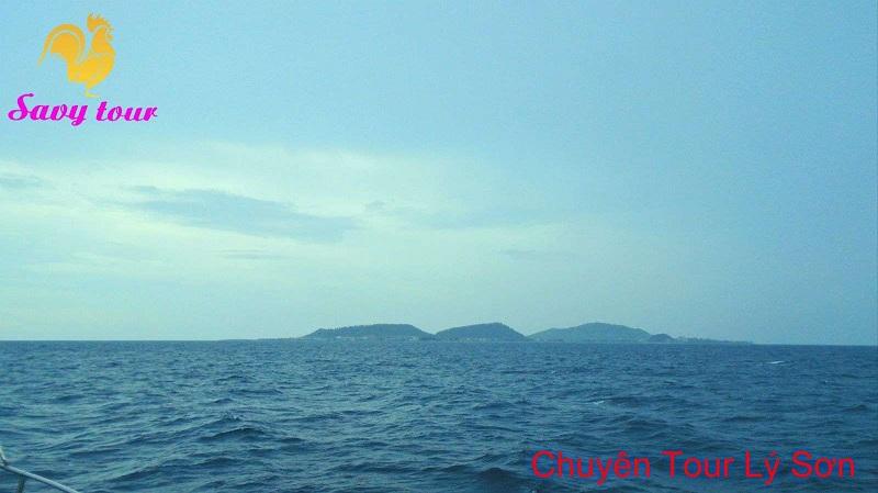 Bầu trời trong xanh cùng với những làng sóng diệu êm